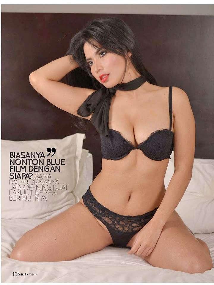 Hot Pictures Dee Hunafa Black Lingerie at Gress Magazine 2014 Edisi 15