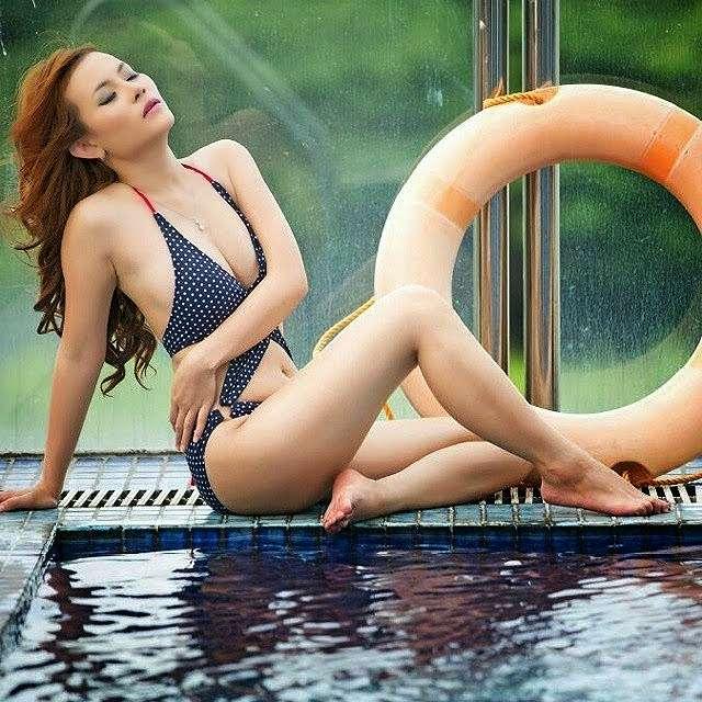Ghea Miehcioo On Polkadot Bikini