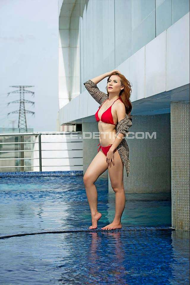 Hot Pictures Ghea Miehcioo Red Bikini On Majalah Male