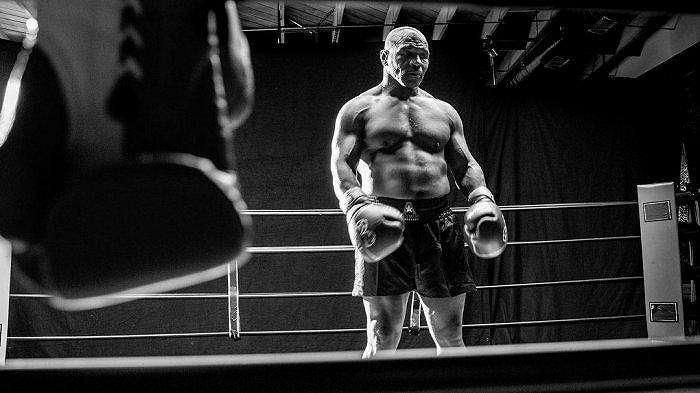 Kondisi fisik yang mumpuni dari Mike Tyson jelang laga lawan Roy Jones Jr