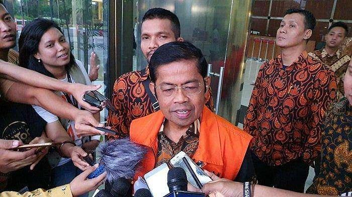 Mantan Menteri Sosial Idrus Marham seusai diperiksa di Gedung Merah Putih KPK, Setiabudi, Jakarta Selatan, Rabu (15/5/2019) (Tribunnews.com/ Ilham Rian Pratama)
