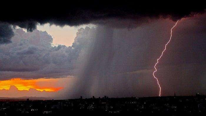 Ilustrasi peringatan dini cuaca