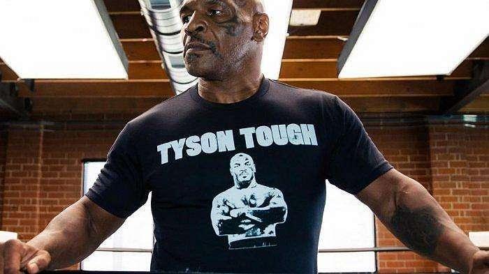 Legenda tinju dunia, Mike Tyson 'Si Leher Beton'