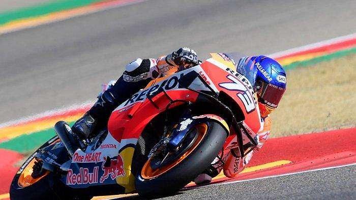 Pembalap Spanyol Tim Repsol Honda Alex Marquez mengendarai Moto Grand Prix Aragon di sirkuit Motorland di Alcaniz pada 18 Oktober 2020. JOSE JORDAN / AFP