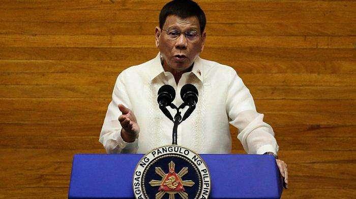 Presiden Filipina Rodrigo Duterte berbicara selama pidato kenegaraan tahunan di Dewan Perwakilan Rakyat di Manila pada 26 Juli 2021.