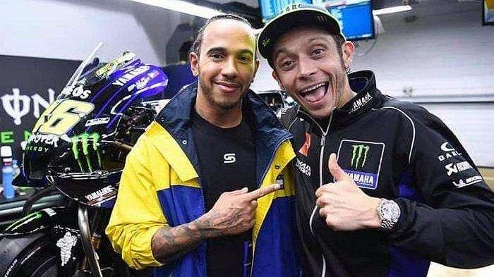 Valentino Rossi dan Lewis Hamilton di MotoGP Qatar 2019