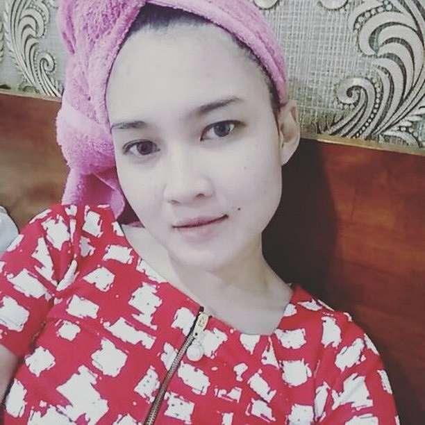 Pesona Nella Kharisma tanpa makeup Instagram