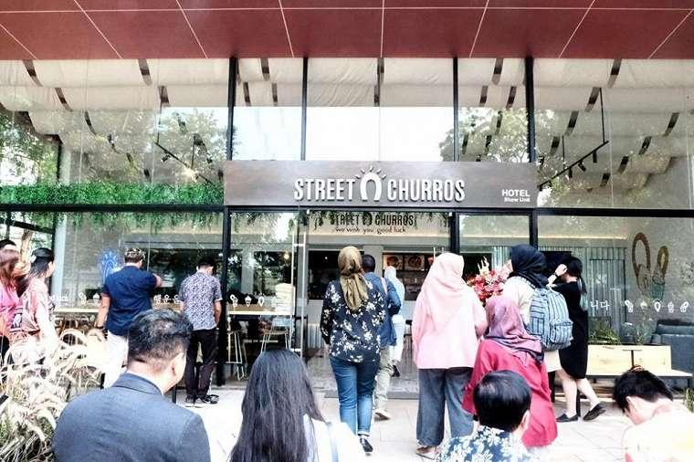Cafe street churros © 2019
