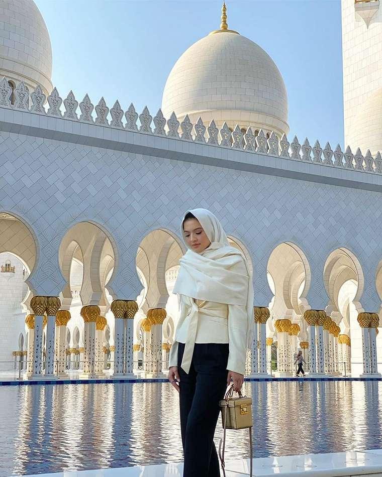 Raline Shah di Abu Dhabi Instagram