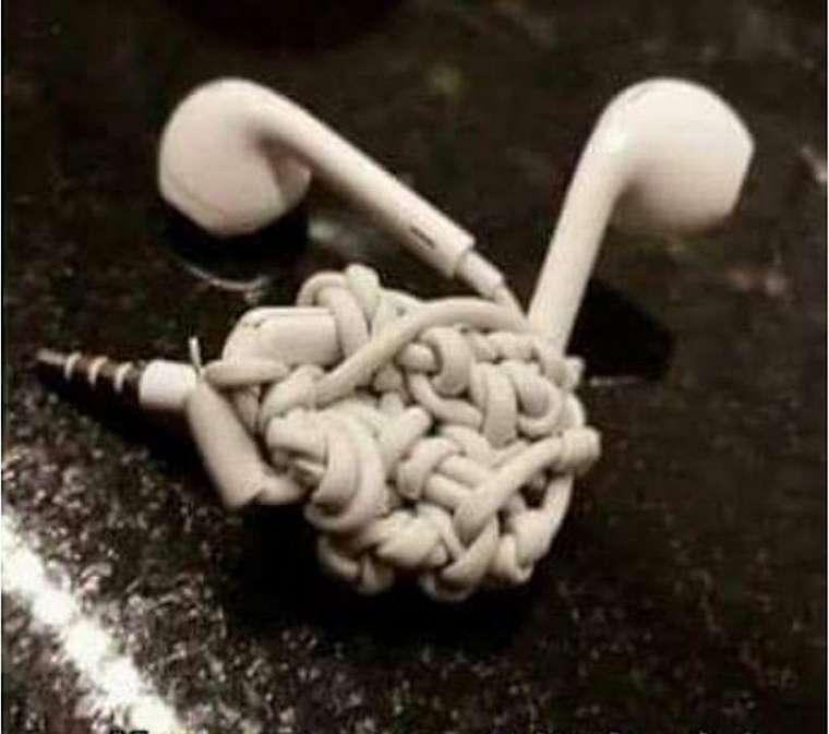 bentuk earphone Berbagai Sumber