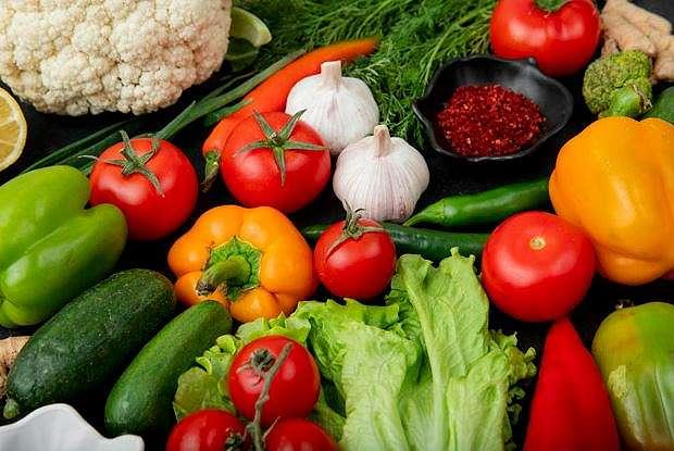 cara menyimpan sayur di kulkas    freepik.com