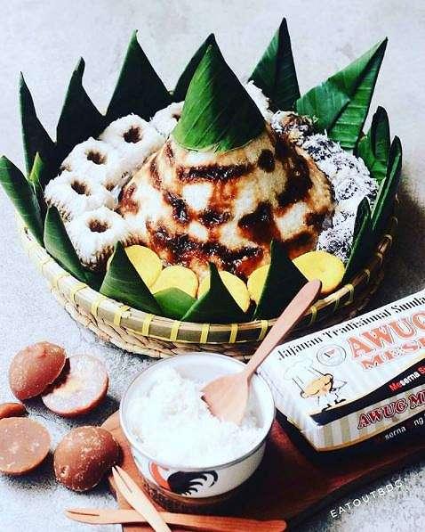 7 Camilan manis khas Bandung    berbagai sumber
