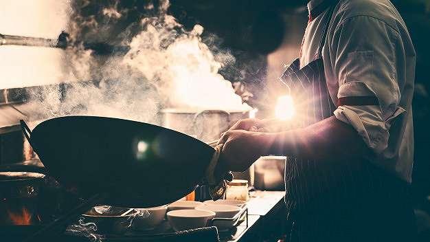 7 Cara menggoreng dengan teknik deep frying yang tepat    freepik.com