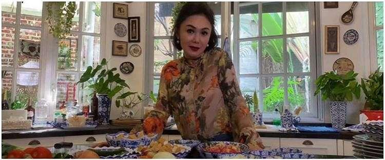 9 Tips memasak ala Yuni Shara selama di rumah saja, sehat dan simpel