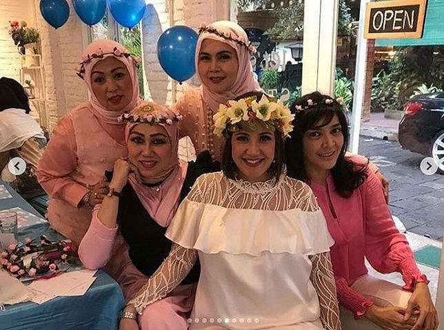 Perayaan baby shower Aya /Credit: @andisorayabeatrix