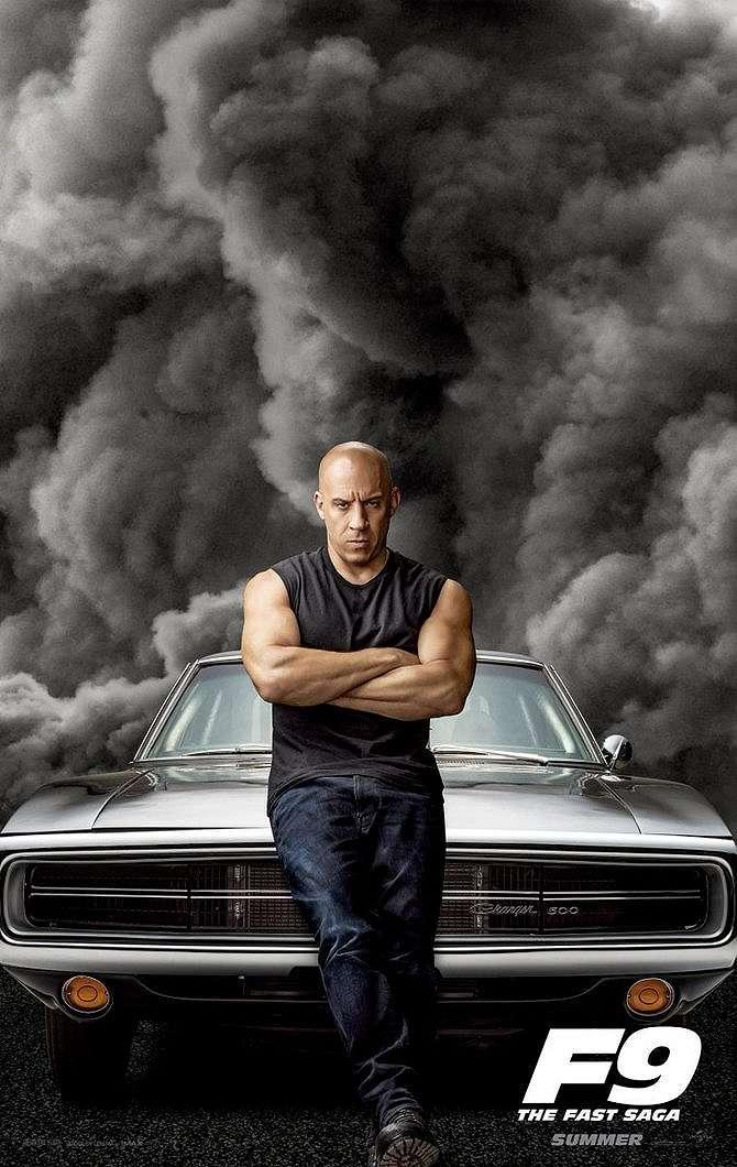 Vin Diesel dan Dodge Charger 500.