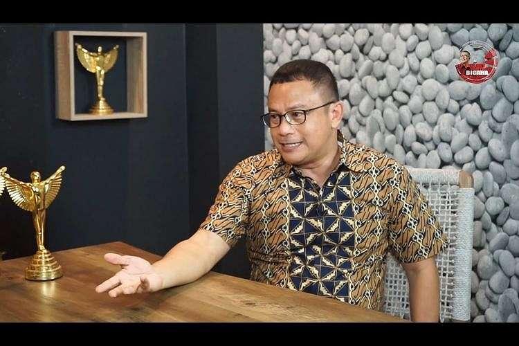 Edwin Libels dalam kanal YouTube Helmy Yahya.(YouTube/Helmy Yahya)
