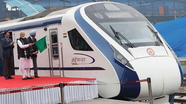 Perdana Menteri India Narendra Modi meresmikan kereta cepat Vande Bharat Express, Jumat (15/2).