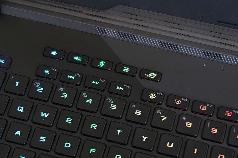 Inilah Kelebihan dan Kekurangan Asus ROG Strix Scar III, Laptop Gaming Keren dengan RTX 2060 4