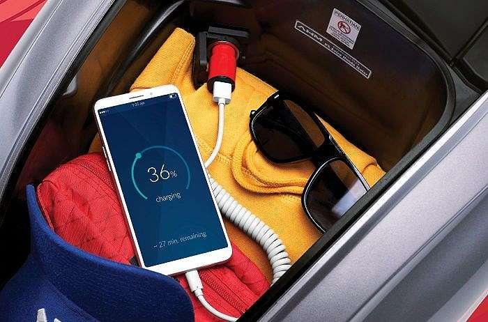Lokasi power outlet 12 volt alias charger Honda Genio