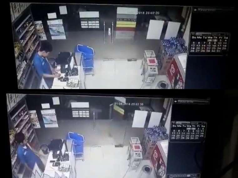 Pintu pecah di minimarket secara misterius. (twitter.com/dianherdianto)