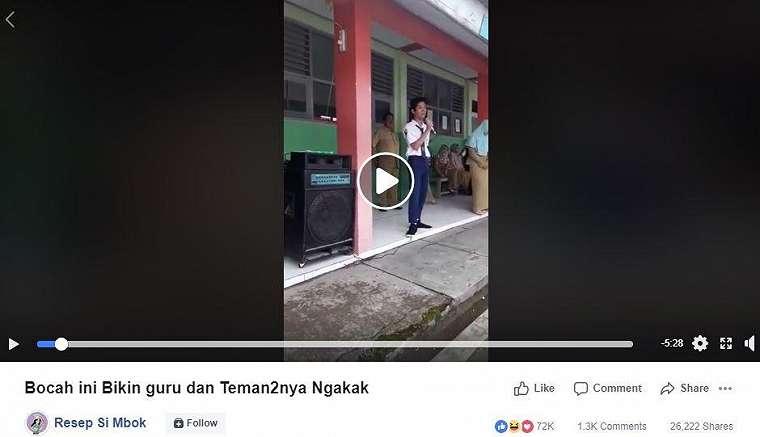 Stand up comedy siswa SMP ini sukses bikin guru-guru ketawa ngakak. (Facebook/ Resep Si Mbok)