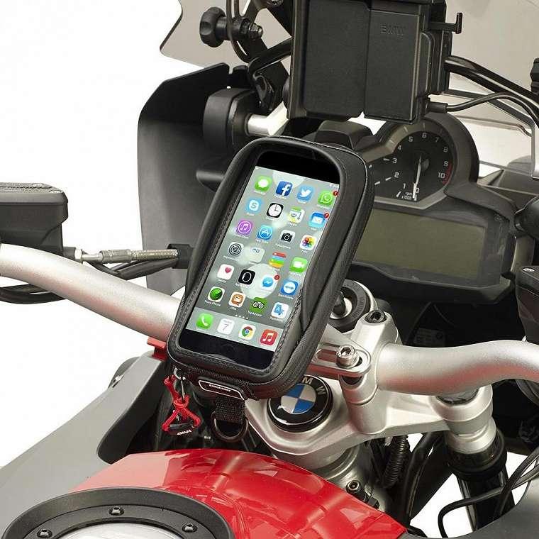Ilustrasi holder smartphone pada motor. (eBay)