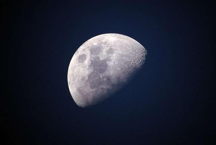 Ilustrasi Bulan. (Pixabay/ Ponciano)