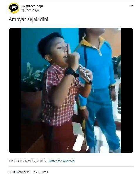 Aksi anak yang menyanyi lagu Pamer Bojo milik Didi Kempot ini bikin netizen heboh dan geli. (Twitter/ @ReceinAja)