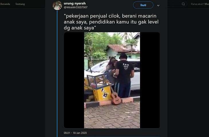 Penjual cilok dilabrak ibu kekasihnya. (twitter/WiraWir55057907)