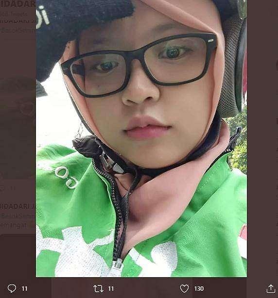 Driver ojol cantik ini viral di Twitter setelah mengunggah postingan yang menyiratkan cari pasangan. (Twitter/ SyellaCilaa)