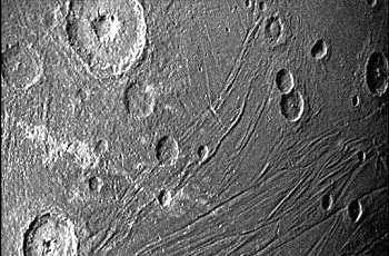 Bulan terbesar di Tata Surya, Ganymede. (NASA/JPL-Caltech/SwRI/MSSS)