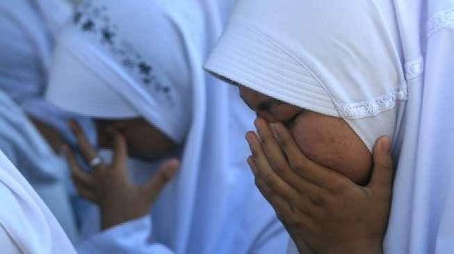 Doa minta jodoh - Ilustrasi berdoa bersama. (Antara)