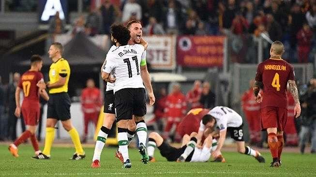 Reaksi pemain Liverpool dan AS Roma usai dalam pertandingan leg kedua semifinal Liga Champions yang berlangsung di Stadio Olimpico, Kamis (3/5/2018) [AFP]