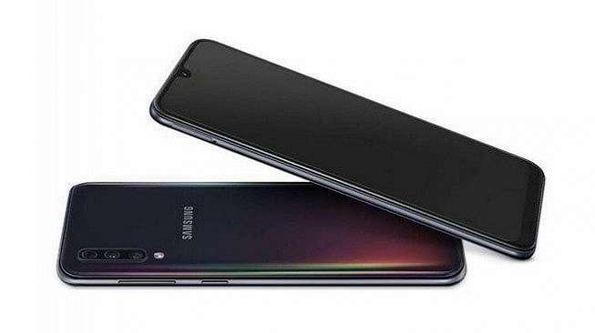 Samsung A50 [Samsung].