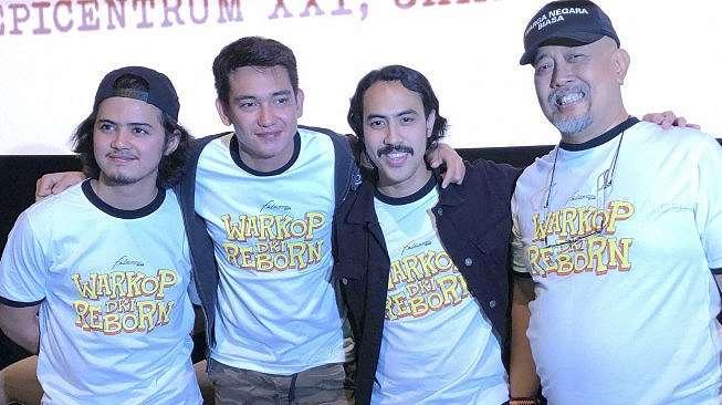 Bintang film Warkop DKI Reborn: Aliando Syarief, Adipati Dolken, Randy Nidji dan Indro Warkop. [Revi C Rantung/Suara.com]
