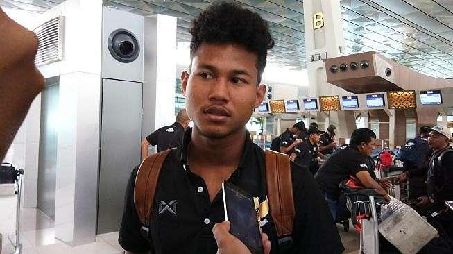 Amiruddin Bagas Kaffa saat ditemui di Bandara Soekarno Hatta, Tangerang, Banteng, jelang keberangkatan mengikuti Pemusatan Latihan (TC) di Thailand, Senin (20/1/2020). (Suara.com /Adie Prasetyo Nugraha).