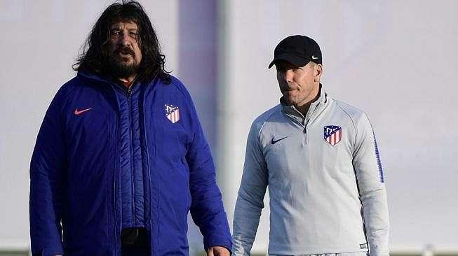 Asisten pelatih Atletico Madrid, German Burgos (kiri) bersama pelatih Atletico Madrid Diego Simeone. [JAVIER SORIANO / AFP]