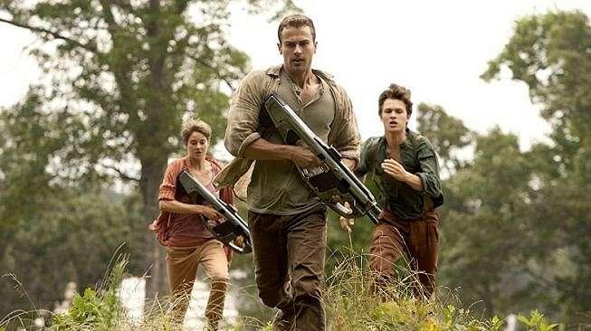 The Divergent Series: Insurgent [IMDB]