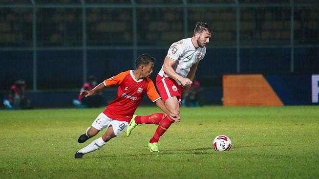 Pemain Persija Jakarta Marco Motta saat berhadapan dengan Borneo FC dalam lanjutan Piala Menpora 2021 (dok. Persija)