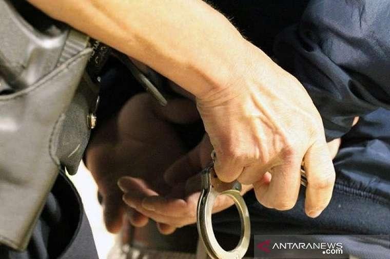 Nekat Berbuat Dosa pada Pagi Hari, Andre tak Mengira Ada Polisi