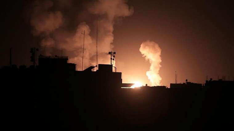 Al Jazeera juga menerima konfirmasi independen tentang serangan udara di Gaza, tetapi tidak ada laporan langsung tentang korban