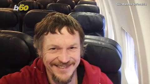 naik pesawat sendiri