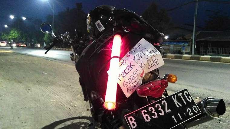 Foto Serunya Mudik Ala Pemotor, Tulisannya Pada Bikin Gak Nahan