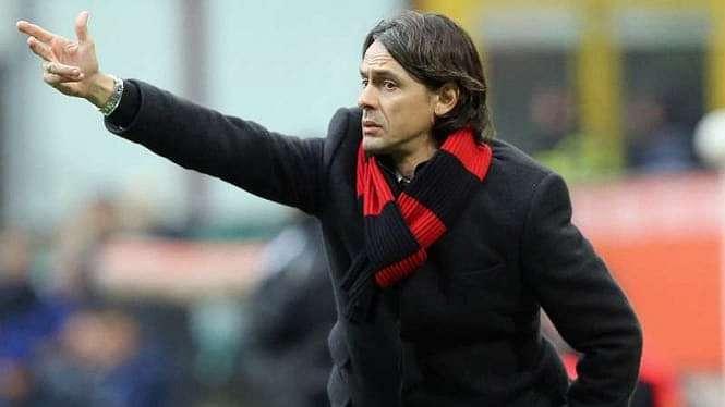 Filippo Inzaghi saat masih melatih AC Milan