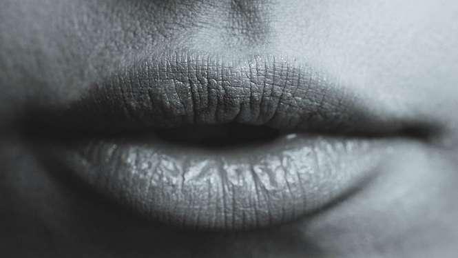 Ilustrasi mulut atau bibir wanita