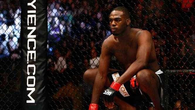 Juara kelas berat UFC, Jon Jones.