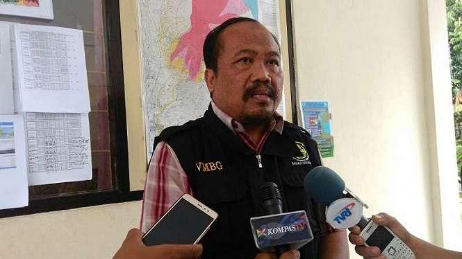 Kepala PVMBG, Kasbani di Pos Pengamatan Gunungapi Agung di Bali.