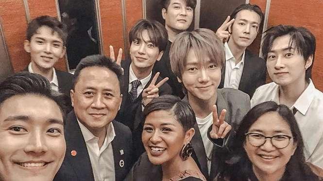 Super Junior dan Dira Sugandi