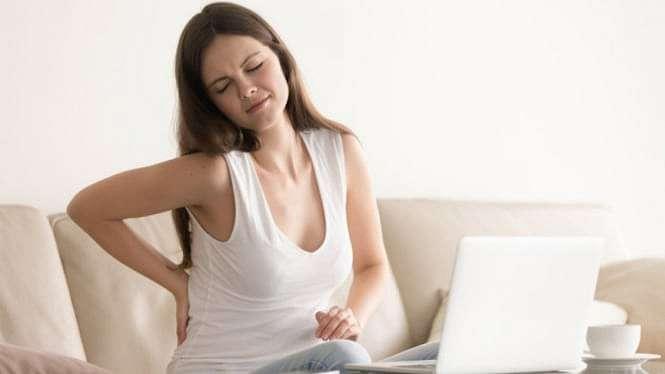 Ilustrasi gaya hidup sedentari/sakit pinggang/wasir.